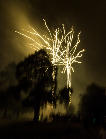Toowoomba New Year's Eve Fireworks 2013-14. Photo: Doug Spowart + Victoria Cooper