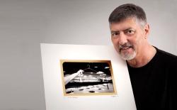 Doug with one of his ICONS & REVERED AUSTRALIANA prints