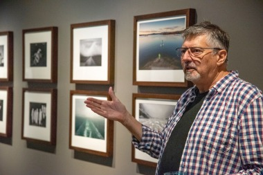 Doug talking about photos in the Gallery – PHOTO: Peter Derrett OAM