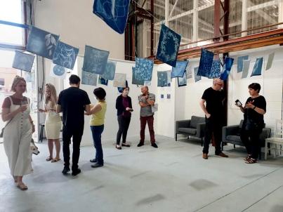 2-Exhibition visitors